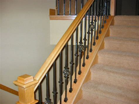 railling tangga  bangunan rumah