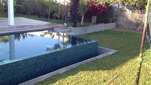 Piscine A Débordement : piscine d bordement noum a du cot de l 39 hypodrome ~ Farleysfitness.com Idées de Décoration