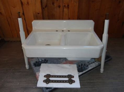 kitchen sink with legs antique cast iron farm farmhouse vintage apron kitchen 6046