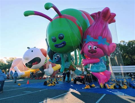 macys thanksgiving day parade  guide including