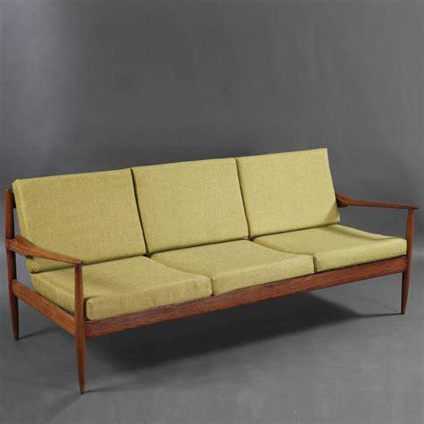 canapé en teck canapé 3 places en teck des ées 1950 de grete jalk