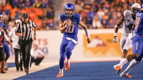 boise state football  wyoming time tv schedule game