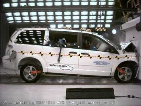 town and country test crash test 2008 20 dodge grand caravan chrysler town and country frontal impact
