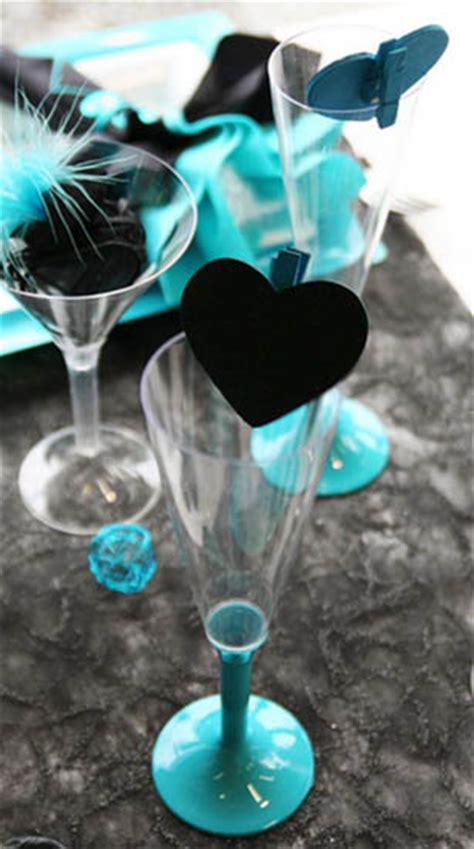 feathers  hearts dinner table decorations black  turquoise colors