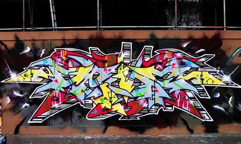 Graffiti Uk :  United Kingdom 83
