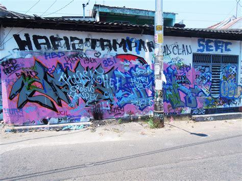 Graffiti Jalanan : Street Art Visual Journal