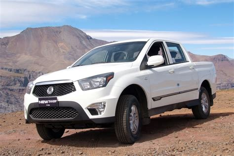 Ssangyong Car Wallpaper Hd by Ssangyong Actyon Sports 48 Images New Hd Car Wallpaper