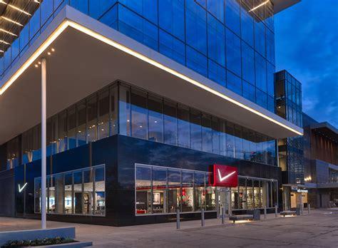 Verizon's Newest Destination Store Opens In Houston