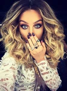 perrie edwards 2 5 carat three ring - 30000 Engagement Ring