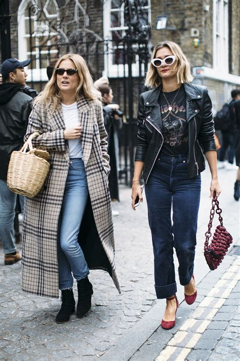 London Fashion Week Fall 2017 Street Style Day 5, See The Best Street Style Captured At London