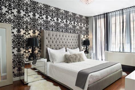 27 Fabulous Wallpaper Ideas For Master Bedroom