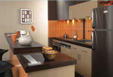 am agement de cuisine ouverte aménagement cuisine plan de travail ouvert sur salon
