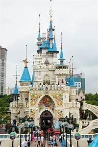 Lotte World Theme Park (Seoul, Korea) Editorial ...