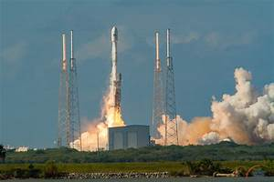 SpaceX launches Thaicom 8, lands Falcon 9 first stage ...