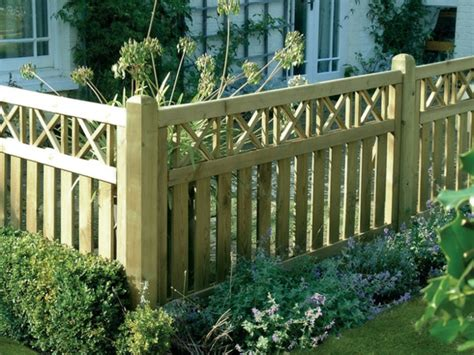 privacy fence  garden wall  landscape ideas