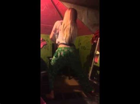 White Girl Twerking Youtube