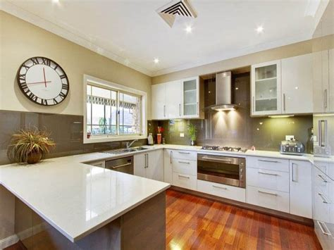 island in a small kitchen 17 best ideas about small u shaped kitchens on 7596