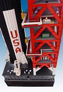 Whoa! A Saturn V Rocket Created With 120,000 Lego Bricks ...