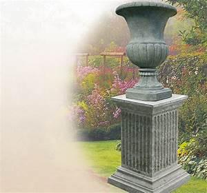 Regenwürmer Kaufen Garten : stilvoller steinsockel garten sandstein stein ~ Lizthompson.info Haus und Dekorationen