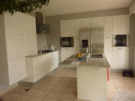 granit blanc cuisine cuisine laque blanche u2026une cuisine en u0026