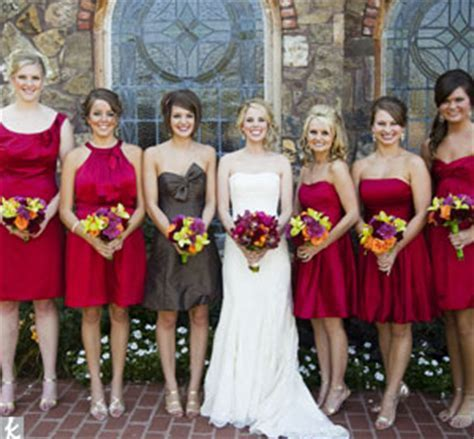 Ways to distinguish Maid of Honor from Bridesmaid in same