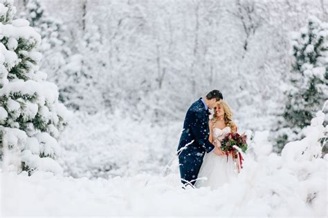 rocky mountain winter wedding