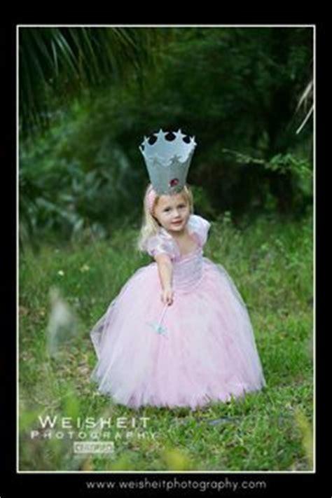 diy glinda  wicked witch   west costumes glinda