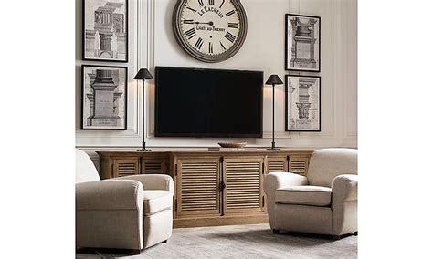 big clock   tv   framing   side kind