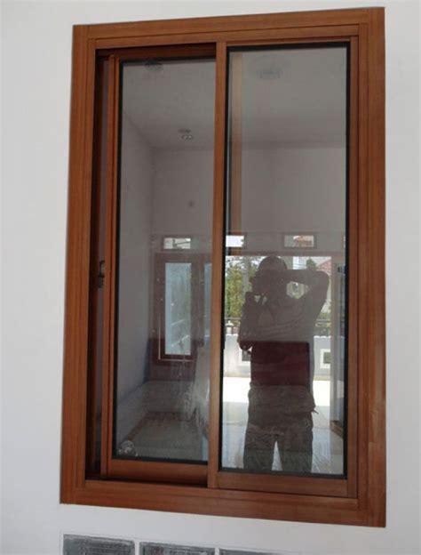 contoh desain jendela rumah minimalis kayu jati foto