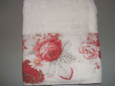 shabby chic towels bath towels waverly norfolk red cream cabbage roses country toile shabby chic ebay