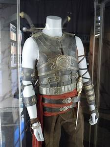 Dastan's Prince of Persia costume and Dagger of Time prop ...