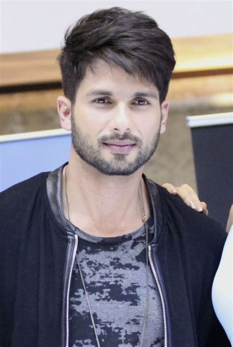 unique shahid kapoor  hairstyle
