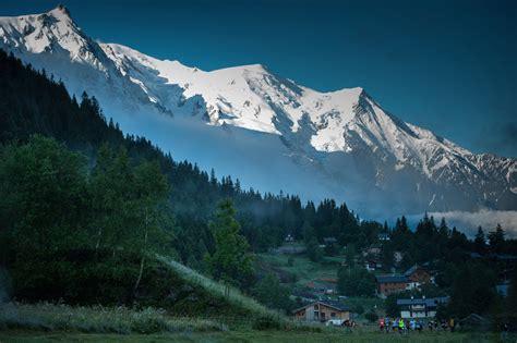 80 km mont blanc marathon du mont blanc affiche somptueuse sur le 42 et 80 km lepape info