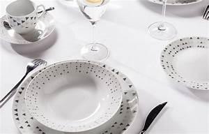 Service A Vaisselle : yong une table tout de blanc v tue le blog d co delamaison ~ Teatrodelosmanantiales.com Idées de Décoration