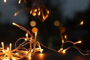 Helpful, Hacks, For, Hanging, Your, Outdoor, Christmas, Lights, This, Year