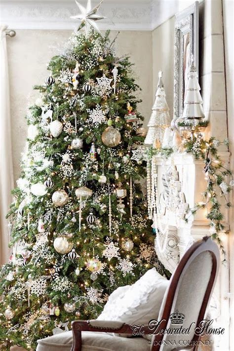 silver and white christmas decorations 1000 ideas about silver christmas tree on pinterest silver christmas christmas trees and