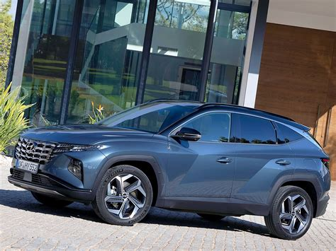 Tucson pushes the boundaries of the segment with dynamic design and advanced features. Hyundai Tucson 2021 - grön och gott om plats - Villalivet