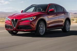 Suv Alfa Romeo Stelvio : alfa romeo stelvio 2018 motor trend suv of the year finalist motor trend canada ~ Medecine-chirurgie-esthetiques.com Avis de Voitures