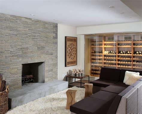 canapé angle roche bobois un mur à revêtement en naturelle dans le salon