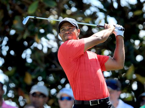 Tiger Woods wins 1st PGA Tour event since 2009 - CBS News