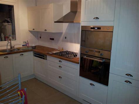 cr馘ence autocollante pour cuisine peindre carrelage credence cuisine maison design bahbe com