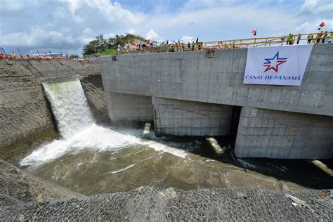 canile chambre panama canal expansion begins filling of locks