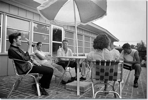 Memphis Bedroom Set by Elvis Presley S 1956 Home 1034 Audubon Drive Memphis Tn