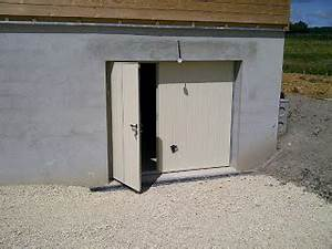 Porte garage basculante bois for Porte de garage enroulable et bloc porte sapin massif