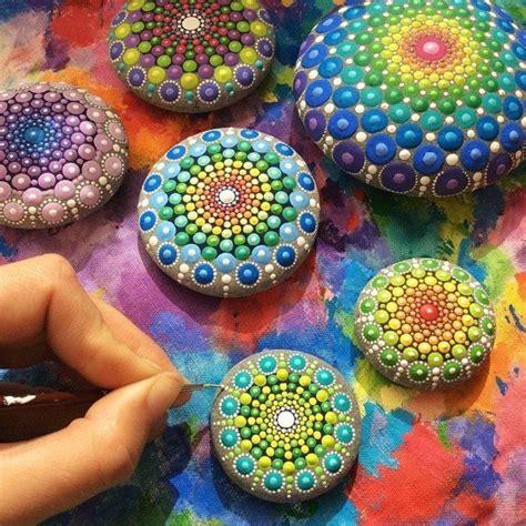 steine bemalen farbe steine bemalen 60 unserer lieblingsideen archzine net