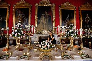 Buckingham Palace: Two suspected burglars arrested
