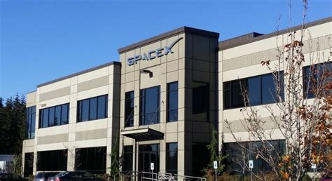 Spacex Redmond Office by Spacex S Starlink Launch Debut To Orbit Dozens Of