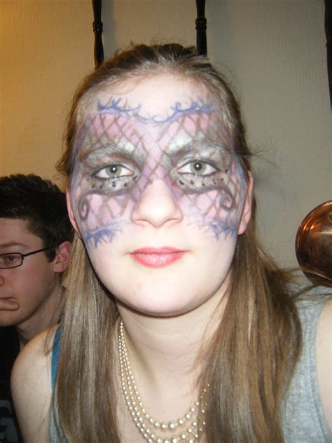 carnival     create  face painting makeup