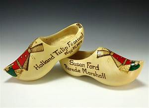 FileSusan Ford39s Wooden ClogsJPG Wikimedia Commons