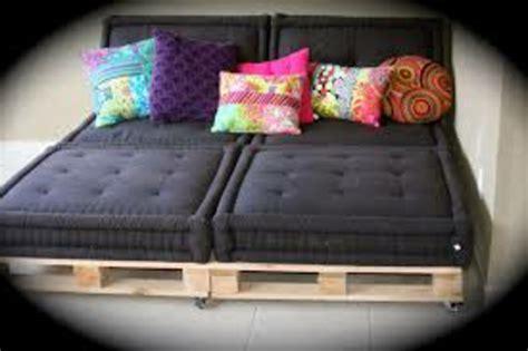coussin pour canapé noir superb coussin pour canape palette 5 canapee en palette